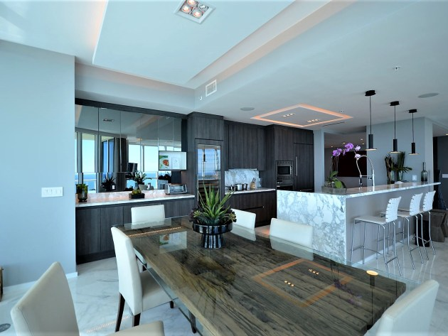 Contemporary-Kitchen-Miami-29