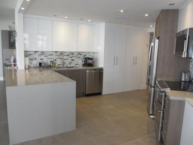 Contemporary-Kitchen-Miami-22