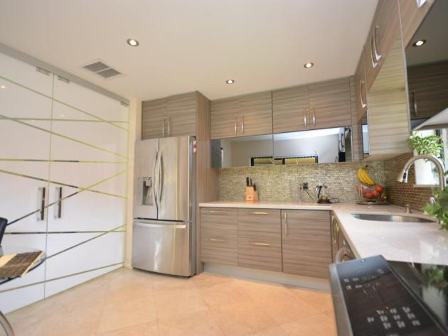 Contemporary-Kitchen-Miami-16