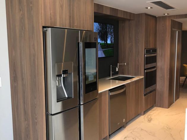 Contemporary-Kitchen-Miami-62