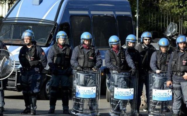 Cosa succede quando la polizia interviene per sgomberare un'occupazione abitativa?