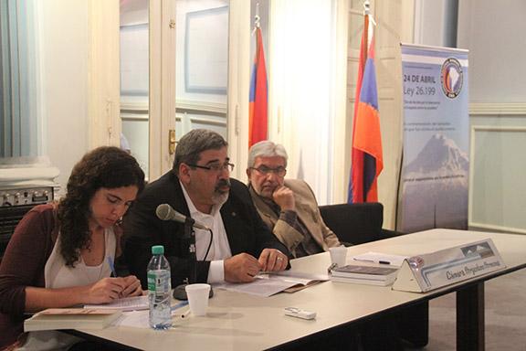 Giro Manoyan (C), Khatchik DerGhouhassian (R)
