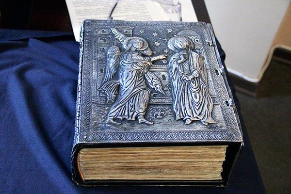 Matenadaran gets first Armenianlanguage printed Bible through Yirikian donation  Arts and