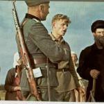 Soldato tedesco con un Tokarev SVT-40 in spalla