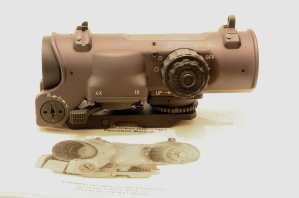 Elcan - Vista laterale sinistra del modello 1-4×.