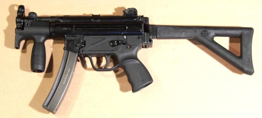 MKE T94K - Con calciolo pieghevole