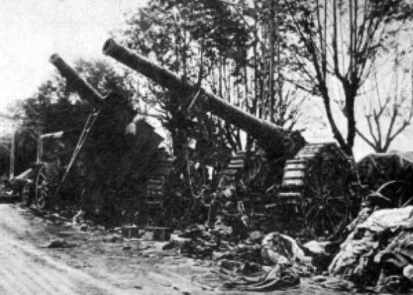 Cannoni italiani catturati dagli austro-tedeschi durante l'avanzata di Caporeto