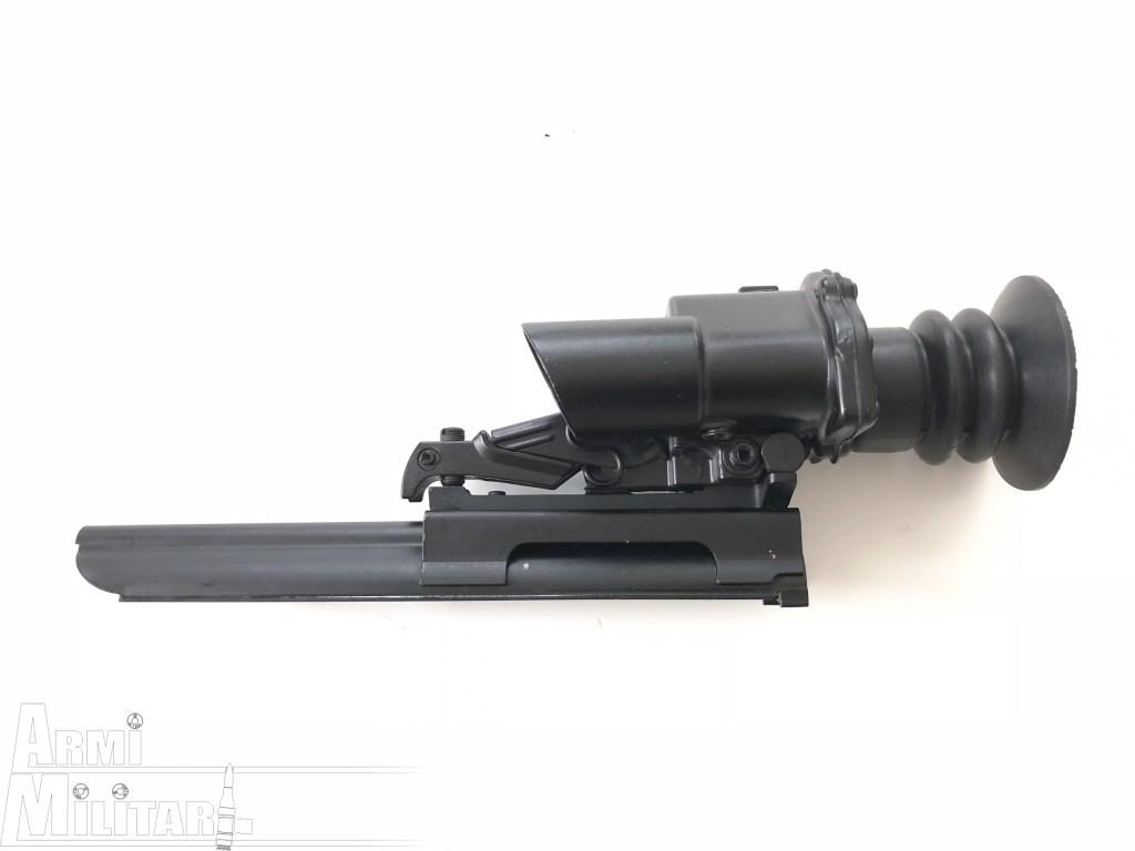 Trilux S.U.I.T. L2A2 – Vista lato sinistro