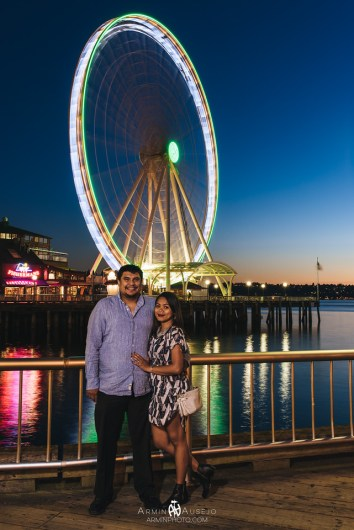 Wence and Jo at the Seattle Great Wheel