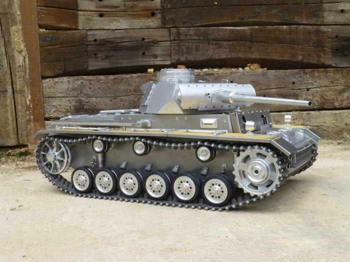 1:6 scale Panzer III by Armortek
