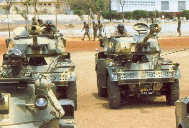 http://www.armyrecognition.com/images/stories/africa/senegal/wheeled_vehicle/aml-90_senegal/aml-90_Senegal_Senegalese_army_wheeled_light_armoured_vehicle_640.jpg