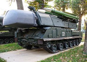9K37 BUK-M1 SA-11 Gadfly technical data sheet specifications information description pictures photos images identification intelligence Russia Russian army ground-to-air missile air defense armoured vehicle
