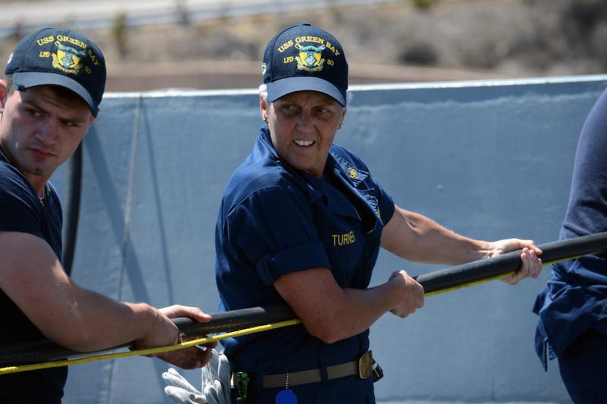 hight resolution of chief warrant officer 2 bonnie turner handles de energized electrical cables in preparation for a