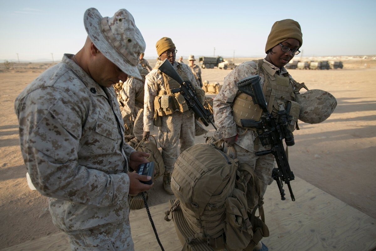Grunt Life Marines Dish On The Corps Women In Combat