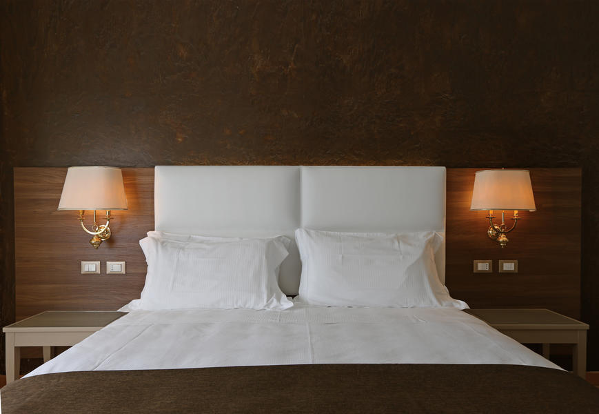 Letti moderni ➤letti design moderni di altissima qualità ✓per arredare con stile la camera da letto ✓scopri i letti moderni b&bitalia. Contract Hotel Furniture Hotel Furnishing Contract Furniture Arnaboldi Interiors