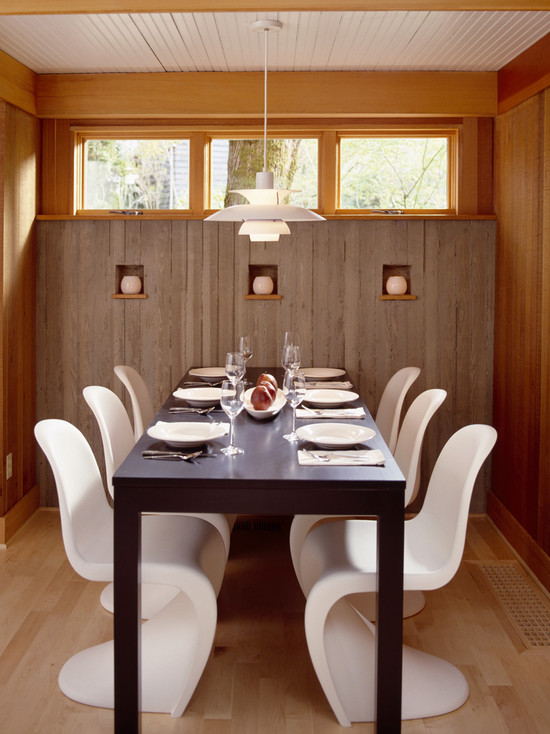 Dining Room With Board Formed Concrete Walls (Portland)