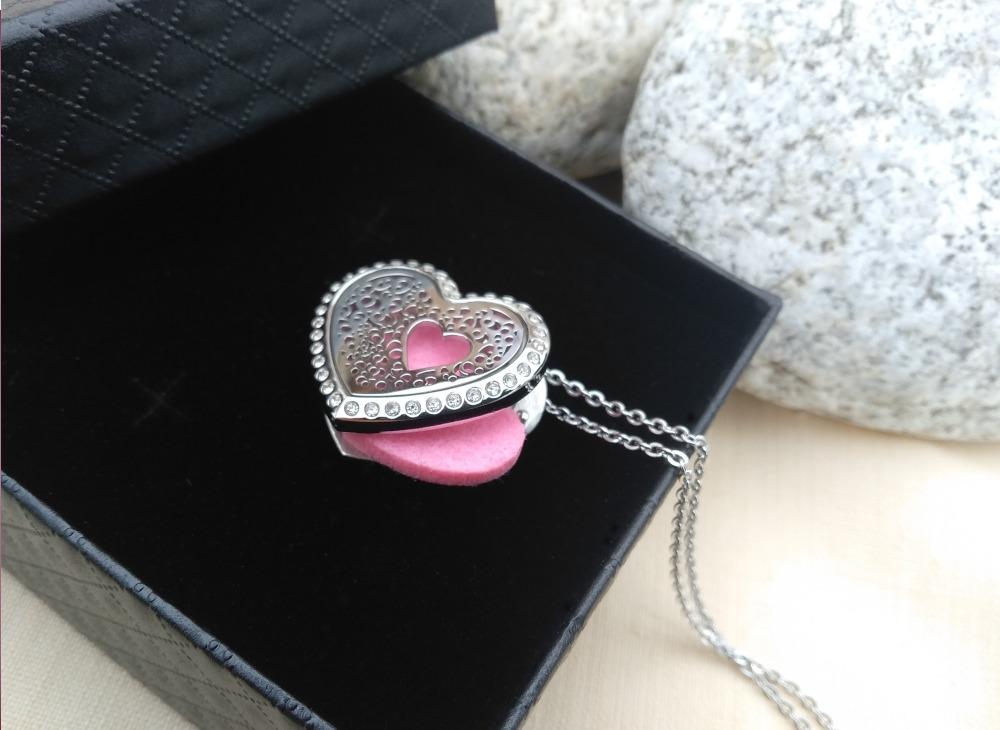 aroma šperk srdce s kryštálom nerezové otvorené