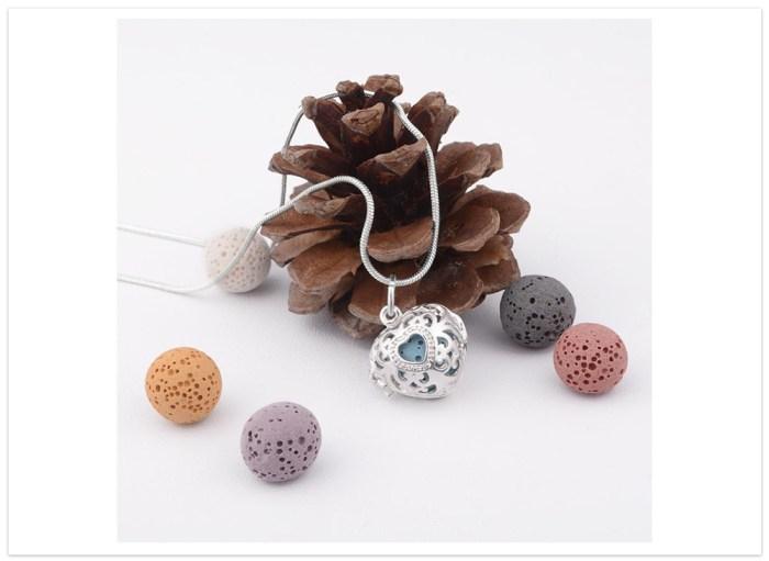 Aromatický prívesok srdiečko na lávové kamene dekor