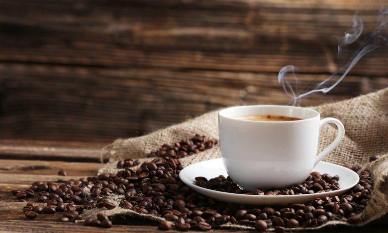 هل القهوة مفيدة عند شم العديد من العطور؟