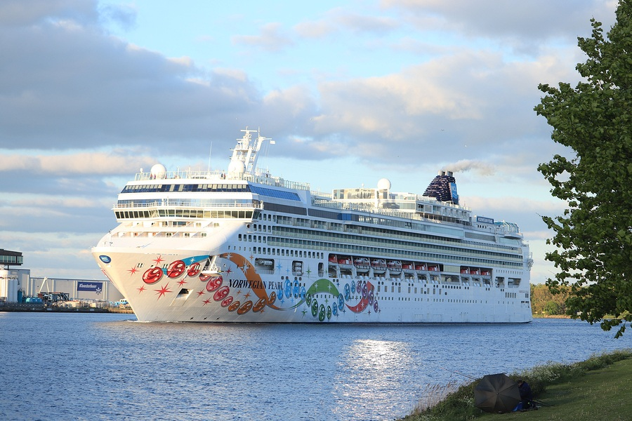 2,300 Passengers Onboard the Norwegian Pearl Had Their Cruise ...