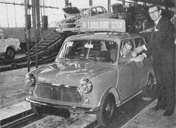 The millionth export Mini being handed over by George Turnbull to Gunnar Eik of BLMC Norway during April 1970...