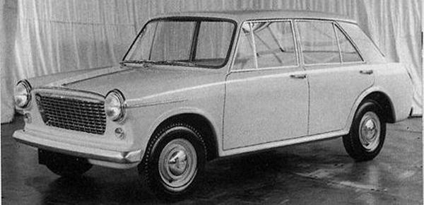 Pininfarina's second, simplified offering of 1959. Now codenamed ADO16, the front is much tidier (though with a makeshift bumper), and the door frames have been smoothed out.