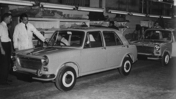 The first (and second) New Zealand-assembled Morris 1100s, photographed at the Newmarket plant on 1 February 1963.