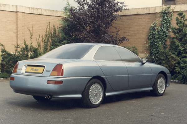 AR18/R16 the Rover 800 that wasn't...