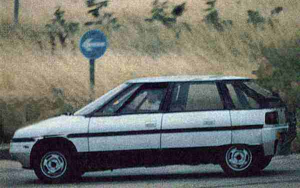 Later fully engineered prototype on test at the Gaydon proving ground scooped by CAR magazine in late 1986. Little did anyone outside of the company know at the time, that the car was so close to death. In profile, the rake of the windscreen looks pretty radical for its day, and many of the advanced features pictured on the earlier two models had been watered down somewhat for production (i.e., door handles, rear lamps, wheelsize). All told, the AR6 looked like a fantastic little package, that had it reached production would have demonstrated that the British company had lost none of their magic touch in producing small cars.