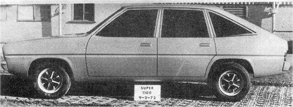 "Three early full-size proposals from September 1973 for the C6 (known at this time as Super 1100/ Super 1300) shows that the hatchback configuration had been decided on at a very early stage. The proposals sow a level of experimentation with the side window arrangements. Notice that the nose is ""lean back"", on the top styling model, predicting the style of the 1979 facelift (Talbot-SIMCA 1510)."