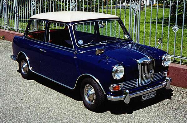 The Riley Elf (along with its brother, the Wolseley Hornet) was the first of two attempts (the second, being the Clubman, pictured below) to extend the Mini concept by lengthening it: the structural modifications to the Mini were all aft of the B-pillar, where out back a saloon-type boot was added. One advantage of the Riley (and Wolseley) front-end treatment, was the full-depth radiator grille, which allowed for improved under-bonnet access when compared with the standard item.