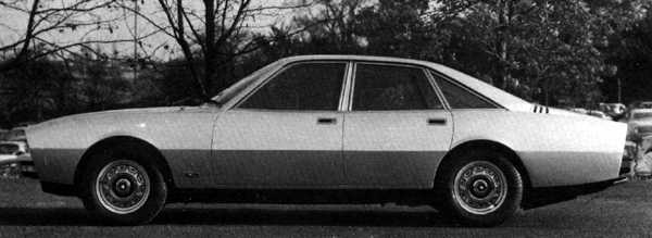In profile, the car could almost be mistaken for a four-door version of Pininfarina's later Ferrari 400.