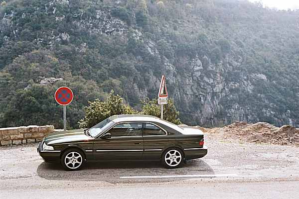 The sign warns of the upcoming dangers: 2000 metres of sheer driving bliss was the outcome.