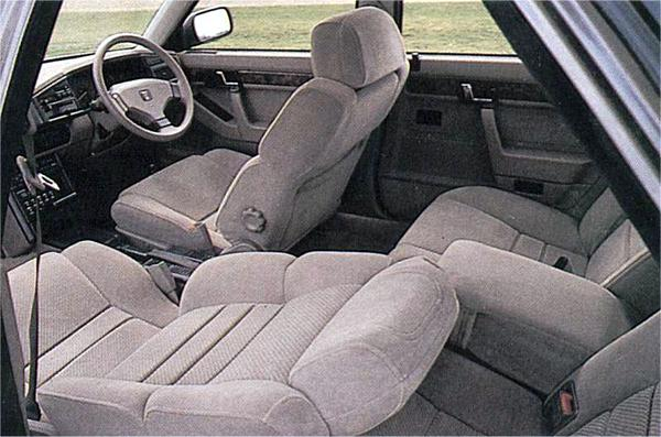 One aspect of the 800 that was unanimously praised was its interior, which managed to incorporate a modern outlook, whilst maintaining a curiously olde-worlde charm – Honda would learn lessons from Rover in this department.