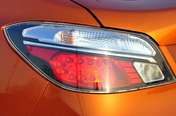 Rear lamp clusters feature LED lighting, but look rather like BMW's outgoing 5-Series.