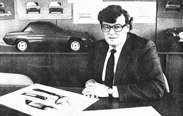 This SS1 styling model, here with Reliant's managing director, Ritchie Spencer, shows a cleaner shape less encumbered by panel gaps; the wheelarch eyebrows are still evident, however.