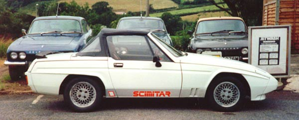 Distinguishing external features on the 1800Ti were a discreet black boot-lid spoiler and a new wheel design, although owners of the smaller-engined models have often also retro-fitted these.