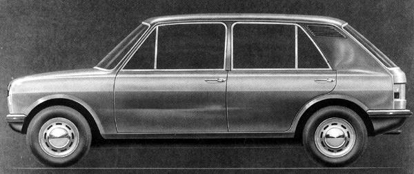 Consideration was also given to extending the Issigonis 9X supermini into an ADO16 replacement. Compare this with the proposed ADO16 facelift shown above. (Both cars eventually lost out to the Allegro.) This design also bears a passing resemblance to the Autobianchi Primula, which itself looked rather like an ADO16 hatchback.
