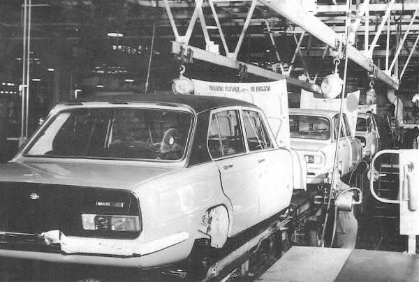Dolomite and 2500 final finishing at the Canley factory. (Pic: Alan Crome)Dolomite and 2500 final finishing at the Canley factory. (Pic: Alan Crome)