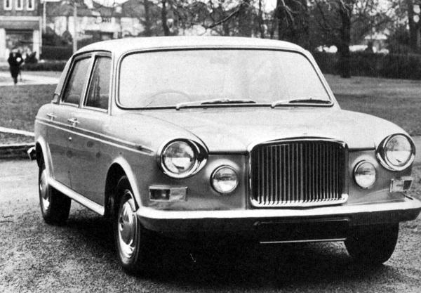 This later prototype used the bodyshell of the Australian Austin X6. The car looks unchacteristically handsome, especially considering its rather mixed parentage...