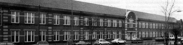 The imposing 400ft frontage of Bromford House, the administrative block fronting the so-called Ward End Works at Drews Lane, in the Washwood Heath area of Birmingham: the home of Wolseley from the late 1920s until the end of 1948. By the time this photo had been taken in the late 1980s, it was home to the newly-independent Freight-Rover company; now known as LDV Ltd, they are still based there at the time of writing.