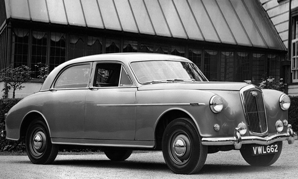 Wolseley 6/8o was an early adopter of the Nuffield C-Series.