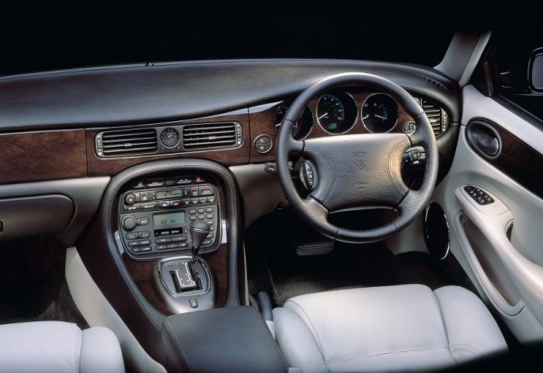 Revised interior of the X308 took away the XJ40 familiarity of the X300...