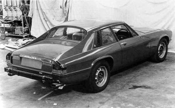 Apart from minor details, this prototype is close to the production XJ-S announced in September 1975. The styling of the XJ-S was frozen in 1972.