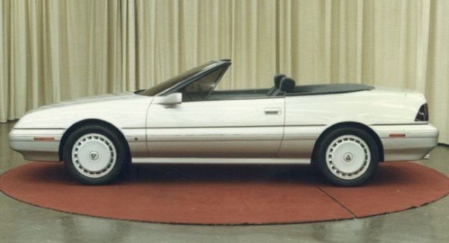 Alongside a productionised version of the 800 Coupé, a convertible version was produced. The car was unashamedly pitched at the American market (as its side running lights indicate), but when ARCONA ran into trouble selling Sterlings over there, the idea was quietly dropped. The pretty car was prepared by The American Sunroof Company, overseen by Adrian Griffiths of Rover. It makes for an interesting comaparison with 1986's Pininfarina-designed Cadillac Allante.