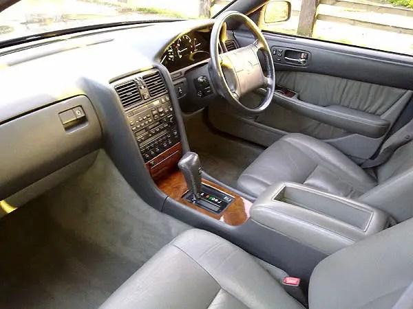 Lexus LS400 interior