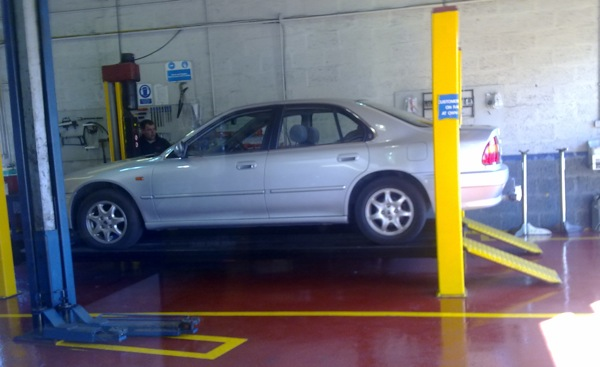 Rover 600 meets the service bay...