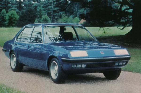 Initial plans were to introduce a rew body style, but this was dropped in favour of a lightly restyled Ascona.