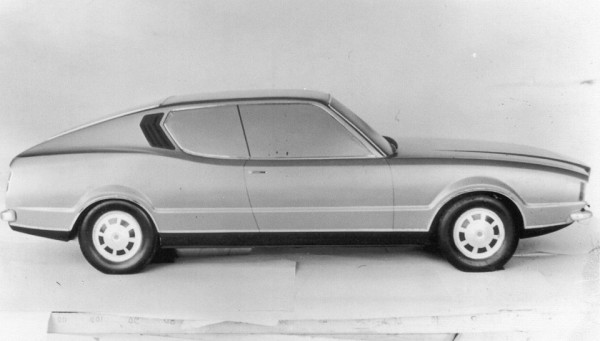 Scale model of the P76V in profile shows that the styling of the final car made it to full-size almost untouched.
