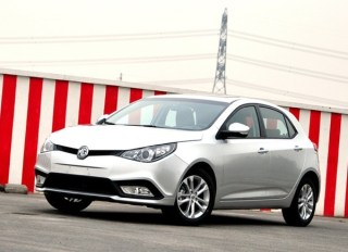 MG5 combines the new 'family' look of the 3 and 6